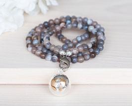 Halskette «Mom» Bola-Klangkugel mit Füssen (Silber)