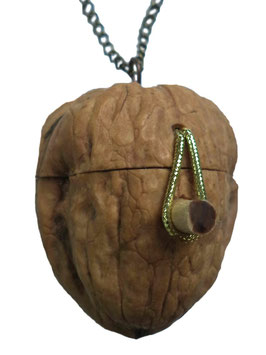 "Necklace ""Walnut box"""