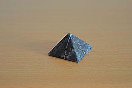 Sodalith-Pyramide - 1