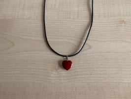 Jaspis rot-Herz-Anhänger 1,5 x 1,5 x 0,4 cm, mit Öse