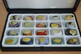 Trommelstein-Geschenkbox mit 20 Edelsteinen