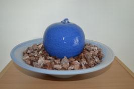 Zimmerbrunnen mit Keramik-Sprudelkugel, blau