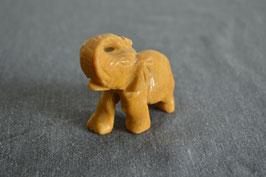Mookait-Elefant, gross