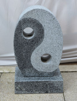 Granit-Quellstein Ying & Yang