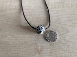 Dalmatiner-Jaspis-Kugel 1,6 cm, gebohrt