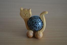Holz-Rolltier Katze gross mit Edelstein-Kugel Schneeflocken-Obsidian 4 cm