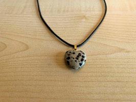 Dalmatiner-Jaspis-Herz-Anhänger 2 x 2 x 0,6 cm, mit Öse