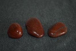 Dolomit-Trommelstein