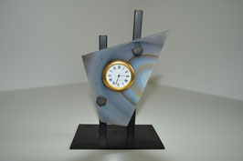 Uhr in Achat an Metallständer
