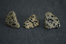 Dalmatiner-Jaspis-Trommelstein