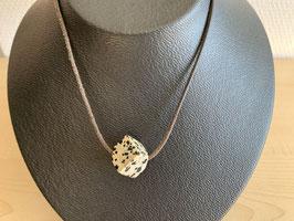 Dalmatiner-Jaspis-Würfel 1,3 x 1,3 cm, gebohrt