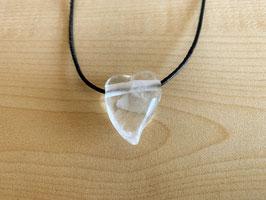 Bergkristall-Herz-Anhänger geschwungen, gebohrt