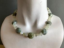 Jade/Serpentin-Kette (136)
