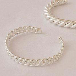 Bracelet N°10. Élégant et souple, bijou très classe. Bronze recouvert d'argent pur. Parure possible associé à son collier.
