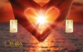 Herz aus zwei Händen mit zwei Goldbarren ab 0,10 Gramm