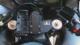 Adapterplatte Garmin 90 - Dient zum versetzen der Montagepunkte wie z.B. einer Garmin 550 Zumo