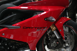 Triutona - für das Modell Triumph Daytona