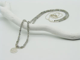 Filigrane längere Labradorit/Silberkette mit Symbolanhänger