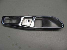 Mercedes Türöffner Abdeckung Chrom links innen Beifahrerseite 1077660511 interior handel Escutcheon left W107 R 107 SL SLC