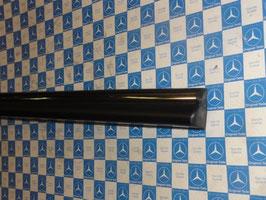 Mercedes Zierleiste Gürtelleiste Tür rechts Vg. Nr. 1077200280 molding door right W107 R107 SL SLC