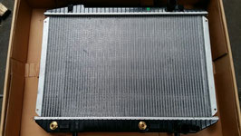 1265004803 Kühler Wasserkühler  Radiator W126 380 420 500 560