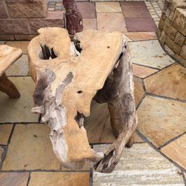 Gartentisch aus Wurzelholz