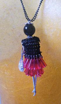 Gliederpuppe mit Perlenkleid
