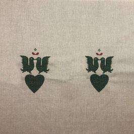 Leinentischläufer beige mit grüner Stickerei in der Mitte