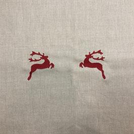Leinentischläufer mit rotem Hirsch in der Mitte