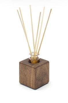 Raumduft - Holzvase aus Nussbaumholz