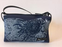 Umhängetasche mit Ammoniten Versteinerungsdruck blau