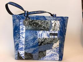 Patchoptik-Shopper helles blau/schwarz/weiss