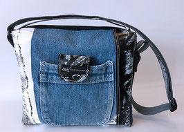 Umhängetasche in Jeans und Patchoptik 3