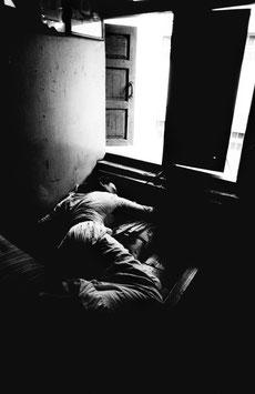 IB 39 - Bombay (India), prostituta dormiente, 1991