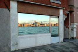 IB 25 - Venezia, le Zattere riflesse alla Giudecca - 2005