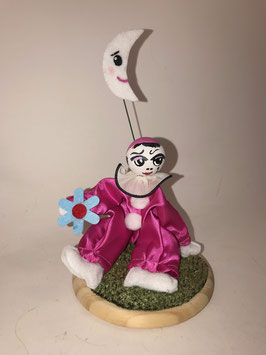 Pierrot rose en scène