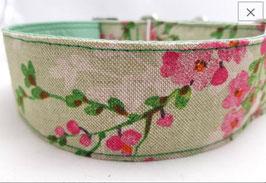 Halsband Kirschblüte grün / 58.