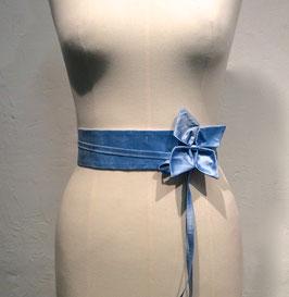 Ceinture en soie taille haute Kikyo bleu clair