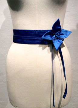 Ceinture en soie taille haute Kikyo bleu