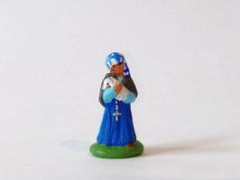 """Santon """"puce"""" : Bernadette portant un agneau"""