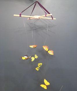 Tauriņu mobils-karuselis