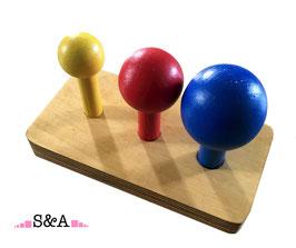 Krāsainas bumbas uz kociņiem: dažādi diametri