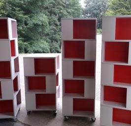 Bücherturm - Gefache versetzt angeordnet