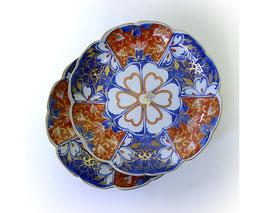 Japans porseleinen borden