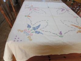 4-⒚   イギリス手刺繍テーブルクロス花8900を