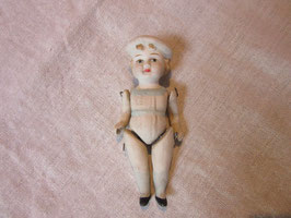 9-08  ドイツビスク ベレー帽の可愛い女の子