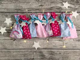 Adventskalender mit Schmetterlingen und Regenbögen in Flieder/Rosa/Blau/Pink