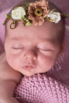 Couronne fleurie bébé