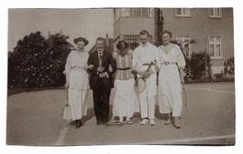 Alte Fotografie 5 ELEGANTE TENNISSPIELER UND TENNISSPIELERINNEN, Sport 1914