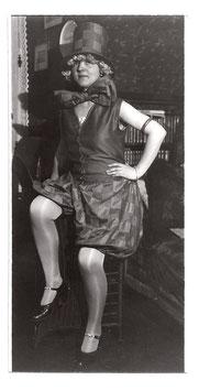 Alte Fotografie FASCHING - Frau als Pierrot verkleidet, 1920er Jahre